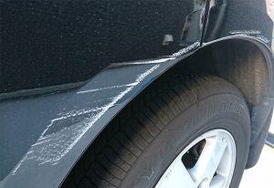 車の擦りキズ