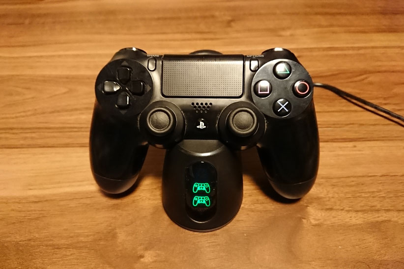 PS4コントローラーの充電が完了した写真